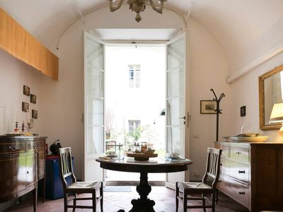 Photo for Relais Sassetti Camera del Pozzo apartment in Pisa with WiFi & air conditioning.