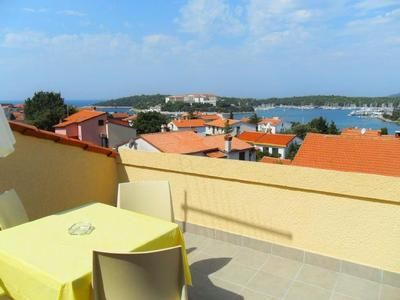 Photo for Holiday apartment Pjescana Uvala for 4 - 6 persons with 2 bedrooms - Holiday apartment