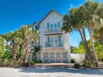 Photo for Private Pool and Available in August!! Ocean Walk: 4 BR / 3.5 BA, in Anna Maria
