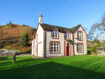 Photo for THE FARM HOUSE, pet friendly, with hot tub in Llangollen, Ref 916979