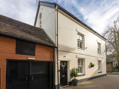 Photo for Beautiful house located in the market town of Wimborne