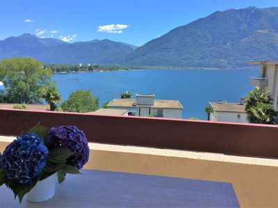 Photo for Sunny holiday flat with balcony and magnificent view, near the lakeside promenad