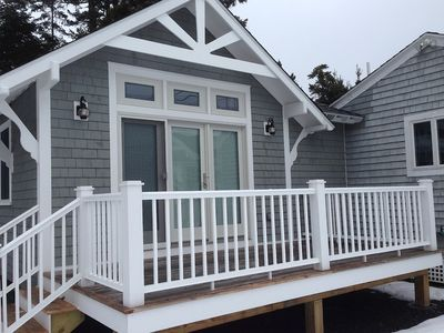 """Photo for Charming """"Guest Room Plus"""" in Oceanfront Cottage"""