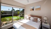 Escape at Nobbys - Beach House with fabulous ocean views