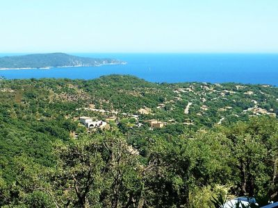Photo for Apartment in Cavalaire-sur-Mer with Parking, Internet, Pool, Terrace (675480)