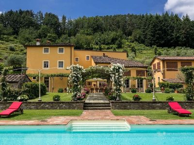 Photo for 8 bedroom Villa, sleeps 15 in Badia Cantignano with Pool, Air Con and WiFi