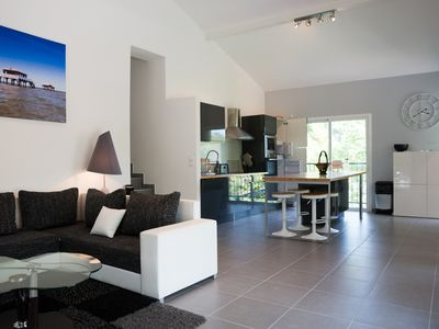 Photo for Beautiful contemporary villa, 5 bedrooms, 3 bathrooms, 5 minutes from the beaches Basin
