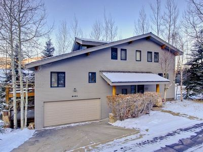 Minutes to the lifts, fully remodeled private home in lower DV. Great for groups