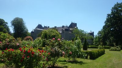 Photo for Relaxing holiday in the Château with its own park and lakescape