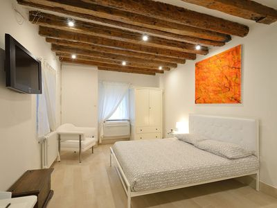 Photo for Studio ideal for couples near SS Giovanni e Paolo