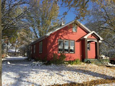 Photo for Charming Cottage next to the Nauvoo Temple - 3BR, 1.5BA, Sleeps 7