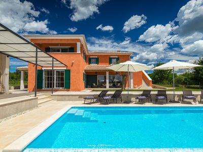 Photo for Modern villa with pool in Central Istria
