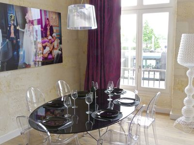 Photo for Superb apartment of 72m2 located along the quays overlooking the Garonne!