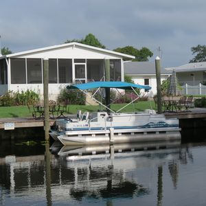 pontoon rental $125 per day or $500 per week