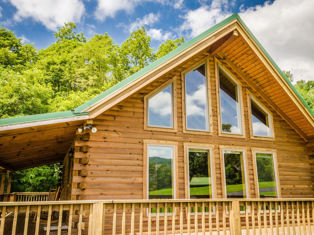 virginia wv cabins west friendly square in king tub cabin elkins with romantic hot bed rental near pet