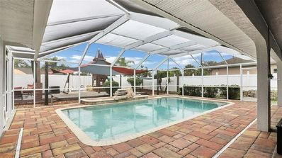 ★Family Getaway★Prime location★ Pool ★Playground ★Luxury bath ★Couples Retreat