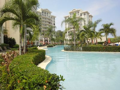 Photo for Spacious 2 Bedroom Ocean,Mountainview + Pool