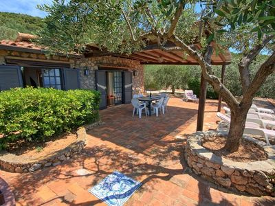 Photo for Stunning  villa for 5 guests with WIFI, TV, patio, pets allowed, panoramic view and parking
