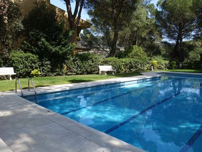 Photo for Very central apartment with pool and parking in LLafranc