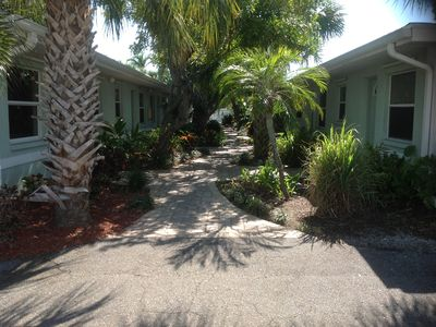 Photo for Vacation in a tropical paradise while you relax in the warm Gulf breeze
