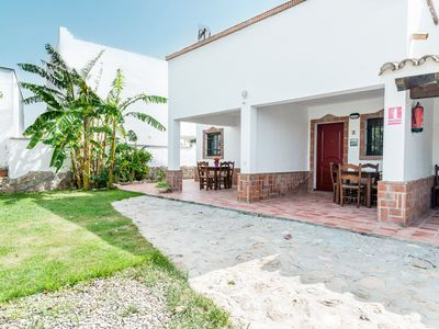 Photo for Holiday home with roof terrace and sea view - El tombolo de Trafalgar
