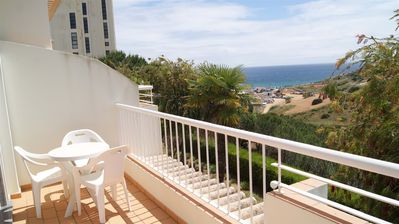 Photo for 1 Bedroom Apartment with Sea View for 2/4 People Only 550m from the Beach