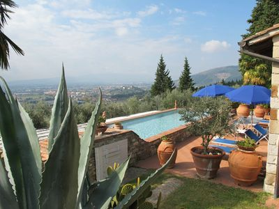 Photo for Beautiful apartment for 4 guests with WIFI, private pool, TV, balcony and parking
