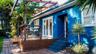 Photo for A PERFECT STAY – Frankie's Beach House - Funky beach house in the heart of town