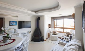 Gramado Mágica, 3 bedrooms (2 suites), 3 baths, Borges (center), where everything is poetry