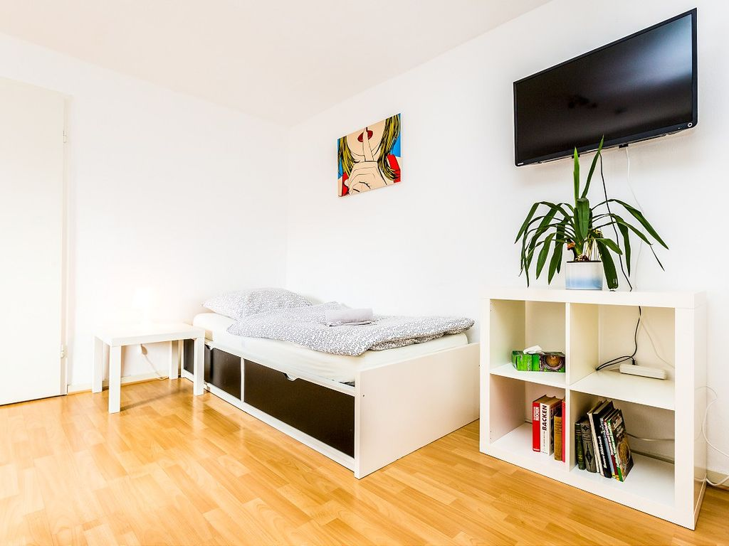 beautiful apartment for 5 people in Cologne Weidenpesch
