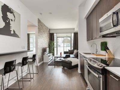 Photo for Luxury Condo! in Upscale TO Downtown Neighbourhood