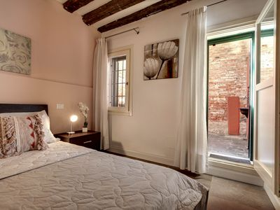 Photo for Apartment near the juice Ghetto with private courtyard