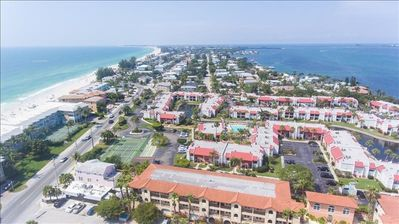 Photo for IT'S TIME TO TRAVEL.  VISIT ANNA MARIA ISLAND  WITH THIS 1 BR/1BA  CONDO    MAY SPECIAL  $700/WK + FEES           #264    RUNAWAY BAY