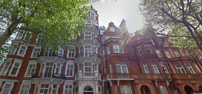 Photo for Located 1/2 Block From Sloane Square Tube Stop In Sloane Garden Mansion Area