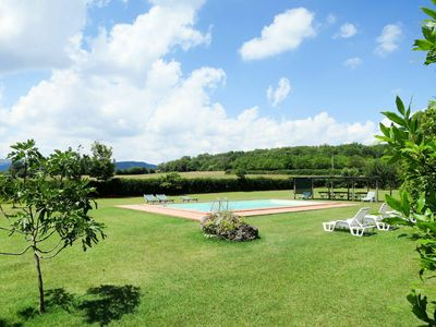 Photo for Beautiful apartment in villa for 8 guests with pool, WIFI, pets allowed and parking
