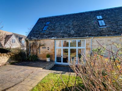 Photo for Charming Listed Country Cottage in the picturesque village of Lower Swell