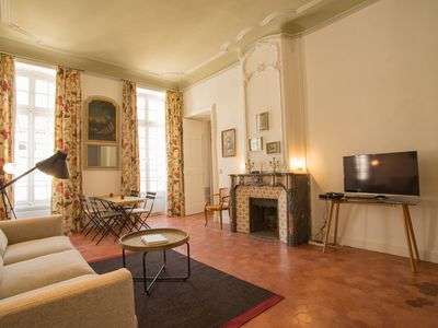 Photo for Apart Avignon center in a mansion / 2 bedrooms / 2 bathrooms
