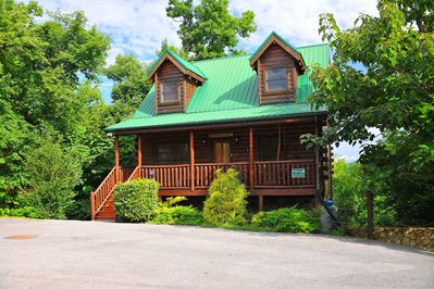 Welcome to our cabin Brigadoon III. Experience 'a Touch of Magic in the Smokies'