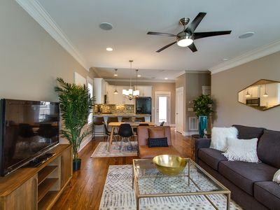 Photo for GULCH SUPERSTAR ★ 3BR - 3.5 BATH ★ 7 COMFY BEDS
