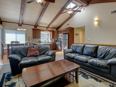 Photo for Relax in style at this cozy, family-friendly cabin with a game room