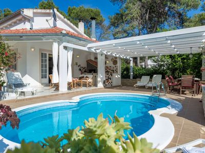 Photo for 2 bedroom Villa, sleeps 6 in Brgulje with Pool, Air Con and WiFi