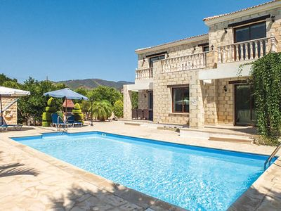 Photo for Villa in peaceful location with pool, PlayStation 2, BBQ and free Wi-Fi