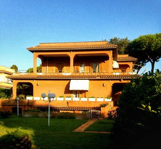 Photo for Six bedroom Roman Italian Villa by the sea 35min from Rome