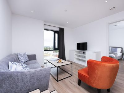 Photo for Stylish City Luxury - 1BR Close to the Centre