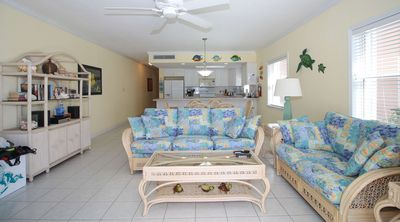 Photo for Cayman Islands Divers Paradise 1st Floor Oceanfront Condo
