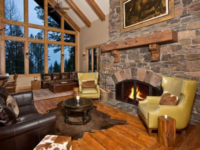 Photo for 4 Bedroom Private House w/ Chefs Kitchen, Media Lounge, Outdoor Hot Tub, Patio,