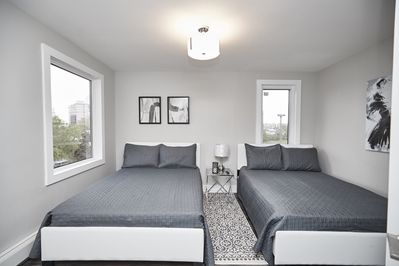 Two Doubles - Smart Stays Condo