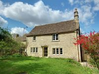 Arrival good as strong log fire lit. Comfortable cottage. Great location for wid ...