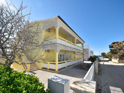 Photo for Apartment Valentić in Vir - 4 persons, 1 bedrooms
