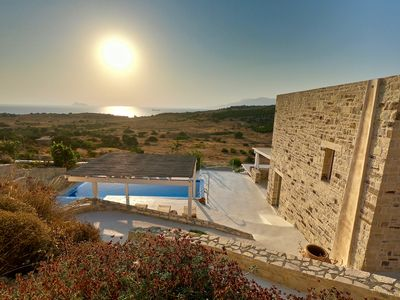 Photo for Holiday villa in top location with sea view, infinitypool and beautiful sunset